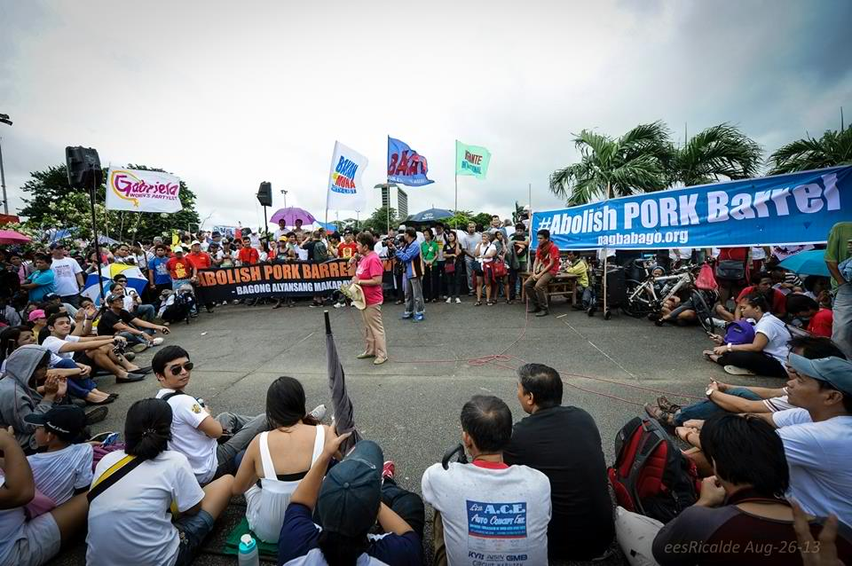 Bayan joined the #MillionPeopleMarch at the Luneta on Aug. 26 and held the program near the Rizal monument. Photo by Arkibong Bayan.