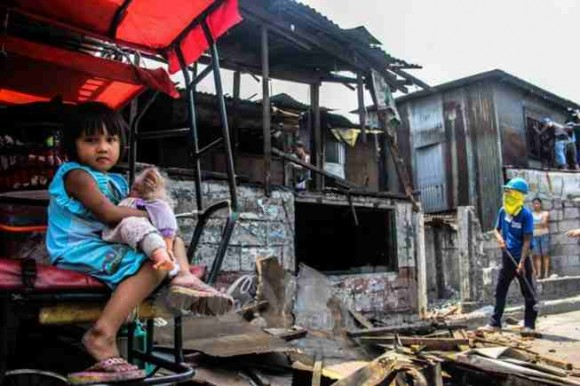 Demolitions of urban poor communities are a hallmark of the Aquino presidency. (Photo from: Bulatlat)