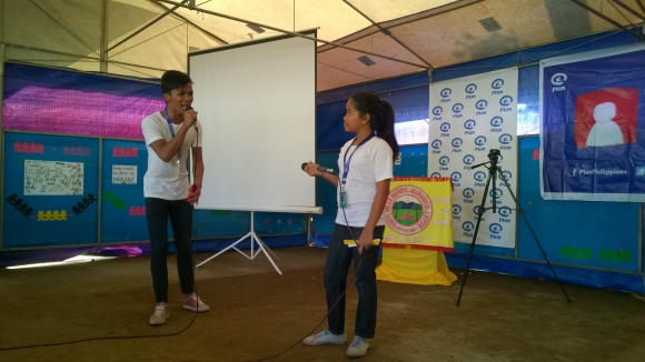 Youth Reporters introduce themselves and their work at Barangay Villarosas, Burauen, Leyte. Photo taken on Nov. 6, 2014.