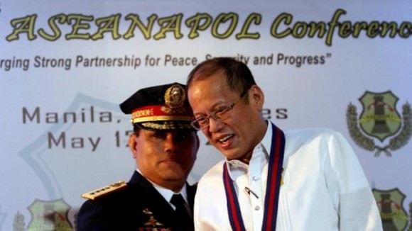 Suspended Police Chief and Presidential Pal Alan Purisima and President BS Aquino. Photo from Inquirer.net.