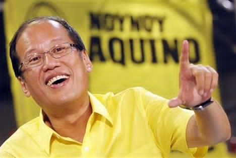"Then-presidential candidate wowed supporters in 2010 with his platform titled ""A Social Contract with the Filipino People"". Photo from Google Images."